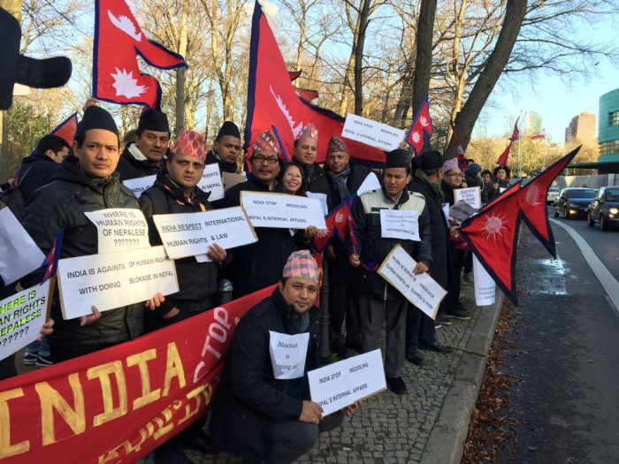 नाकाबन्दीको बिरोधमा जर्मनीमा प्रदर्शन,भारतीय दूतावासमा बुझाय विरोध पत्र(फोटो फिचर )