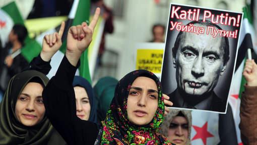 तुर्किस दुताबासमा रसियनहरुले गरे  तोडफोड,रसियाको निर्णय पछि तुर्किसहरु विरोधमा