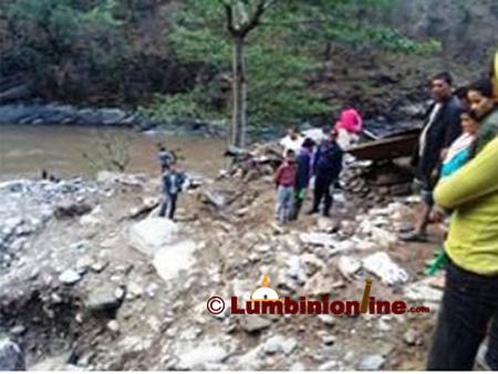 प्युठानमा पहिरोले घर पुरिँदा एकै परिवारका पाँचसहित ८ जनाको मृत्यु
