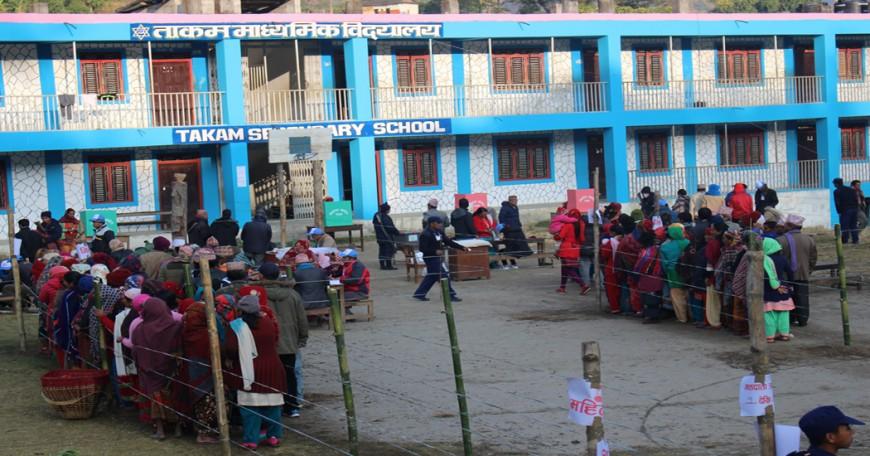 उत्साहजनक रुपमा मतदान जारी