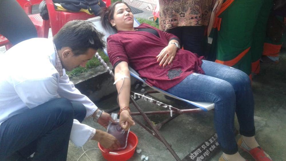 सहकारीको बार्षिकोत्सवमा रक्तदान