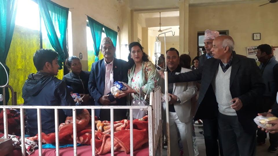 बुटवल उबासंघको स्थापना दिवस : आम्दा अस्पतालका बिरामीलाई सहयोग वितरण