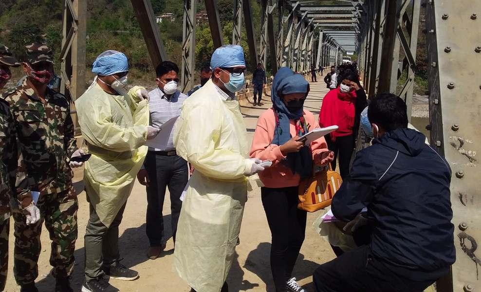 कोरोना भाईरस (कोभिड–१९) प्रभाव : रामपुरमा स्वास्थ्य परिक्षण गरेर नगर प्रवेश
